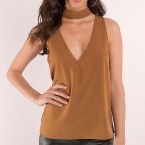 Camel Brown Sleeveless V-neckline Choker Top S
